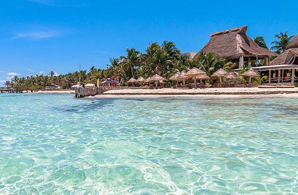Playa norte beach isla mujeres mexico