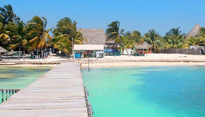 playa lancheros beach